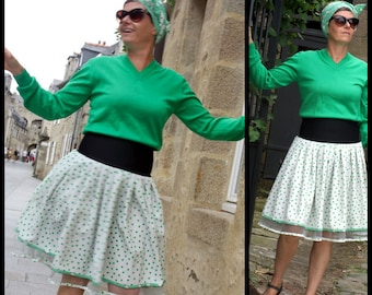 New Fifties white skirt with green dots. pleated skirt Retro original creation. Rock Rockabilly Swing skirt