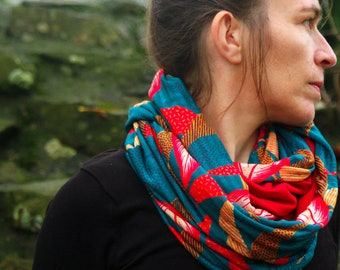 Shawl/neck scarf blue patterned leaf and feather red-Orange mesh and Jersey cotton