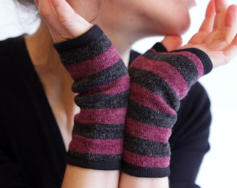 Mitten short stripe, gray and purple Heather, woolen and cotton. Fingerless gloves wool sandwich