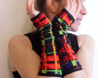 Long Plaid mittens. Orange-green checkerboard mitten in cotton jersey lined. Slice of wool