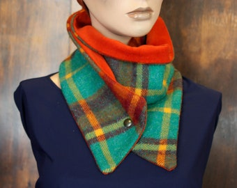 Collar buttons, neck-warmer scarf in plaid green-Orange. Wool and squares Orange green velvet collar. Wool winter bread.