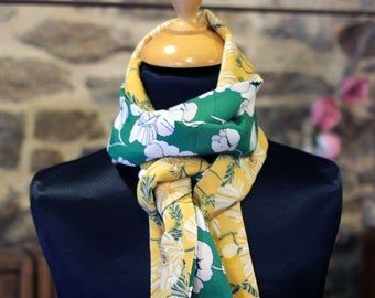 Scarf, Ascot, tie women, bicolor flowers yellow and green floral cotton white cotton and Viscose. Slice of wool.