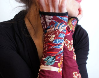 Mitten Burgundy flowers and birds Blue design Cotton Jersey.