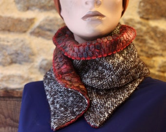 Button collar, Lainage collar scarf and Velvet Brun and Bordeaux. Wool tartine scarf in Tweed
