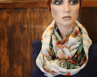 Snood-infinity scarf with flowers in silk and Lycra. Round neck stole silk Tartine wool