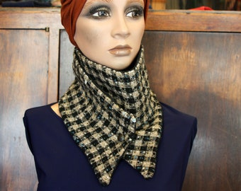 Scarf/cowl. Collar in blue-Beige-Brown wool Tweed and quilted finish black taffeta. Pression.Tartine wool cowl neck