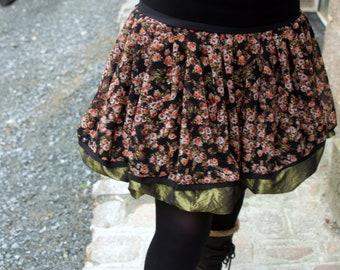 Creating flowers Retro-Vintage ball skirt. Black-Green-coral. Original balloon skirt