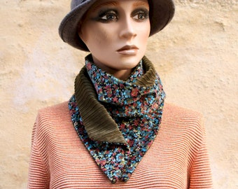 Button collar, velvet scarf with autumn tones and Kaki Green Coast Velvet. Winter Col Laine Tartine