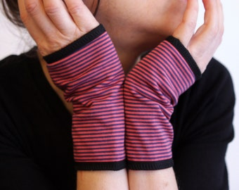 Pink-Violet fine-striped mitt in Cotton Jersey. Mitaine Yoga Jersey . Gloves Mitaine woman