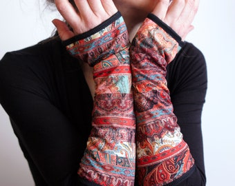 Long Mitaine Orange Coral and Green with Ethnic Patterned Fresque in Lycra and Cotton. Mitten Femme Tartine de Laine