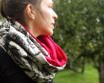 Cowl shawl - cowl scarf grey and black flowers, inside Jersey Red cotton. Jersey Snood. Bread and wool Snood. Infinity scarf