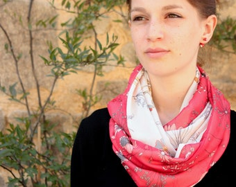 Etole-Shawl Snood Spring Scarf with White-Red Cotton Viscose Bicolor Flowers. Light scarf Tartine de Laine