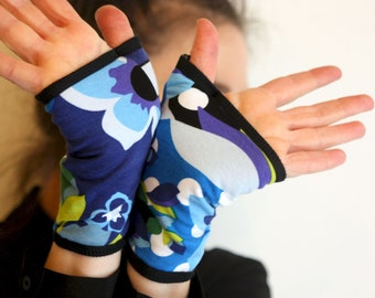 Mitaine Short Woman With Patterns Blue and Green Flowers in cotton jersey. Women's Mitt gloves Spring/Summer.