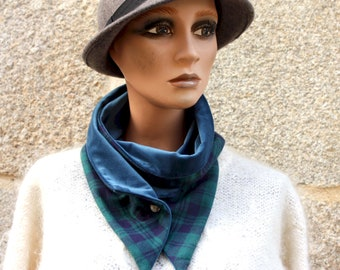 Button collar, green blue Tartan collar scarf in cotton flanelle and blue velvet. Winter scarf collar.