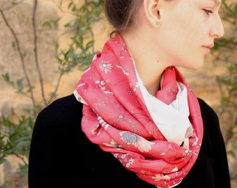 Stole-shawl scarf Snood spring flowers bicolor white and Red cotton Viscose. Light scarf wool sandwich