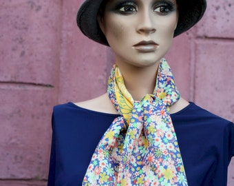 Scarf, Lavallière, Cravate Femme, Bicolore with Yellow Flowers and Romantic Pink Blue. Cotton and Viscose . Tartine de Laine