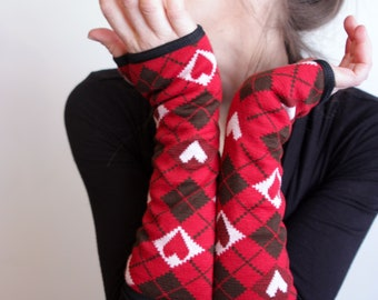 Red knit Jacquard heart stretch glove. Jersey cotton lined. Handmade wool sandwich
