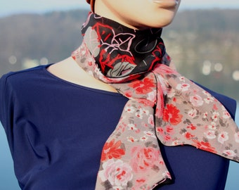 Long and thin woman scarf with Black Red Rose and Grey Flowers in Viscose Veil. Tartine de Laine Lavallière