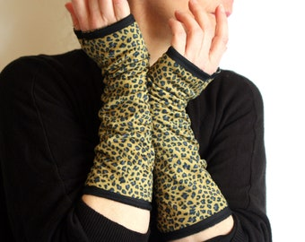 Long Mitten With Small Patterns Panther in Cotton Jersey Velvet. Mitaine lined Tartine de Laine.