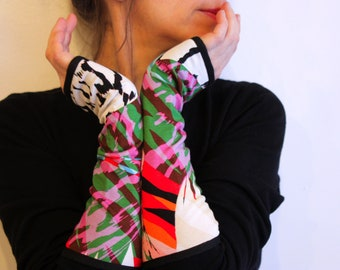 Cotton jersey long glove multicolor Graphic Design.