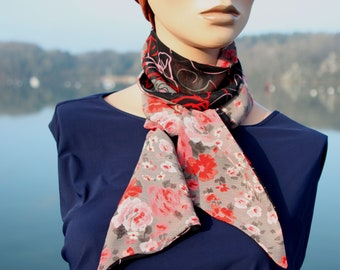 Woman scarf with Flowers Pink Black red and Grey in Viscose Veil. Laine Lavallière's Tartine