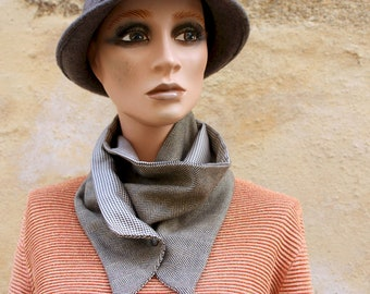 Button collar, camel Golden and Black Camel Chip Foot collar with Chevron Brown camel. Cotton and acetate Col winter women's scarf.