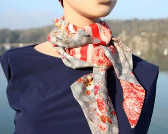 Woman's Lavallière scarf, Red Flower and Prince of Galle in Viscose and Cotton veil. Laine Lavallière's Tartine