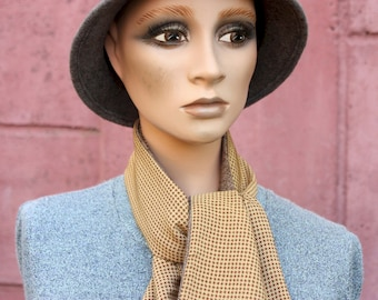 Winter Scarf Camel Chip Foot and Chevron Brown Wool. Lavallière, Fine Men's and/or Women's Scarf