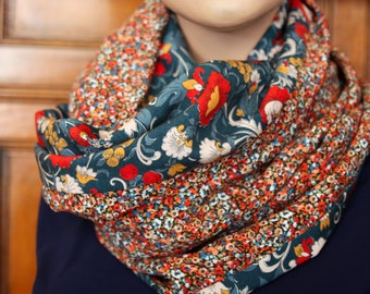 The Snood shawl with flowers. Two-tone Orange flowers and blue large flower. Viscose and cotton wool scarf stole bread.