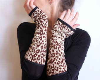 Long Mitten in Jersey vintage panther motifs. Mitaine woman, stretch fabric cuff