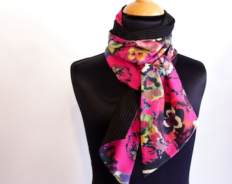 Scarf, Ascot, tie women, two-tone pink Voile cotton with flowers and silver striped black Acetate. Slice of wool