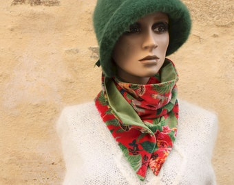 Button collar, velvet scarf printed Floral patterns and Green Plain Velvet. Winter women's scarf collar.