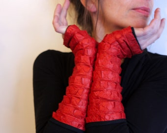 Long mittens, Orange ruffle lined Lycra cotton jersey. Glove's original woman