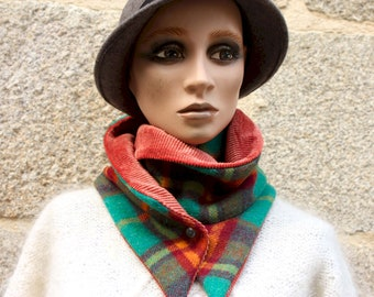 Button collar, laine drapy scarf with Green and Orange Tiles and Orange Plain Velvet. Winter women's scarf collar.