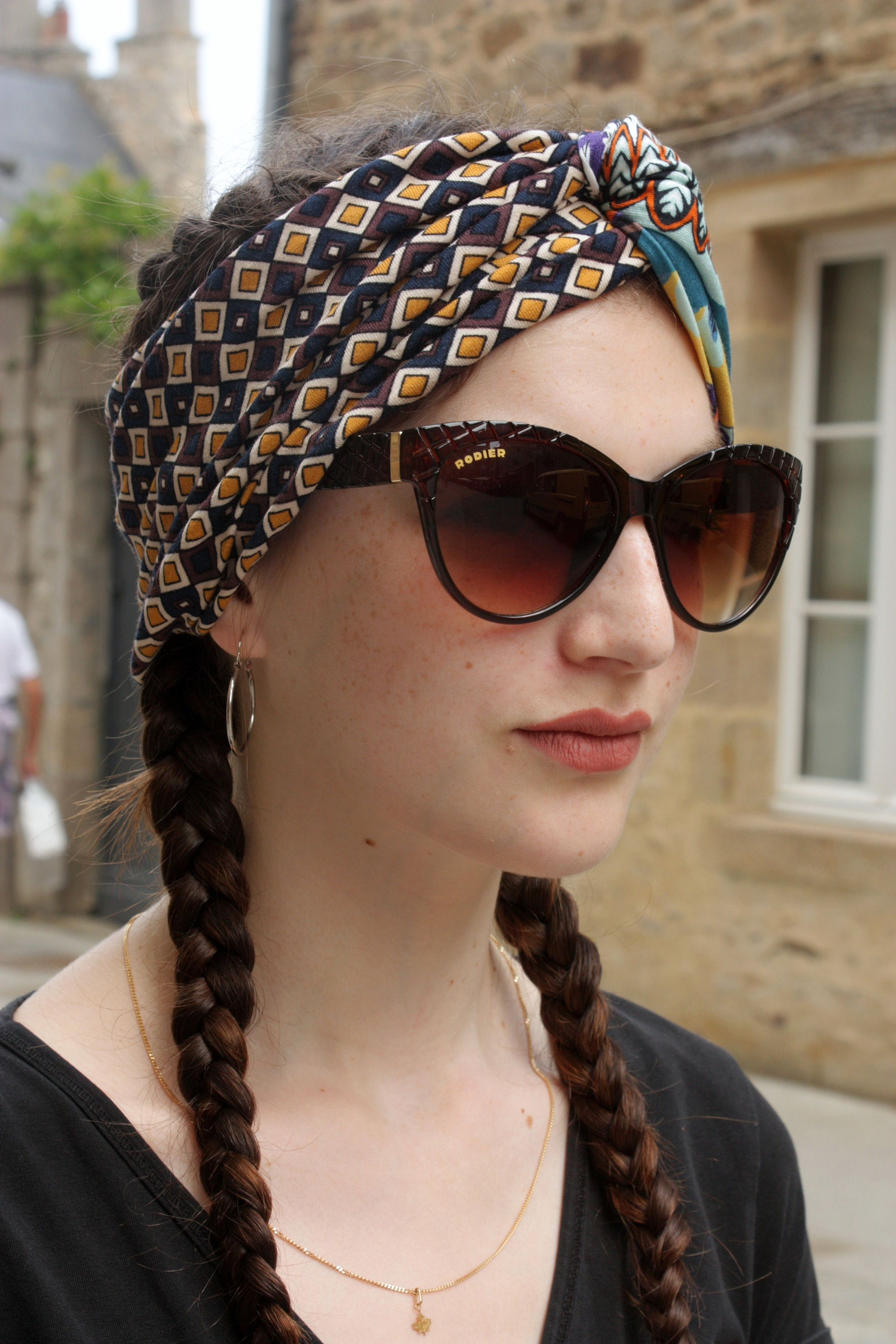 Checkerboard Hairstyle: Turban Headband Graphic Patterned Brown-white-yellow
