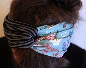 Headband-Turban headband style Retro bicolor blue flowers and cranes, striped black and gray