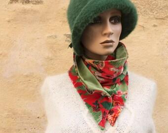 Button collar, velvet scarf printed Floral patterns and Green Plain Velvet. Winter women's scarf collar.