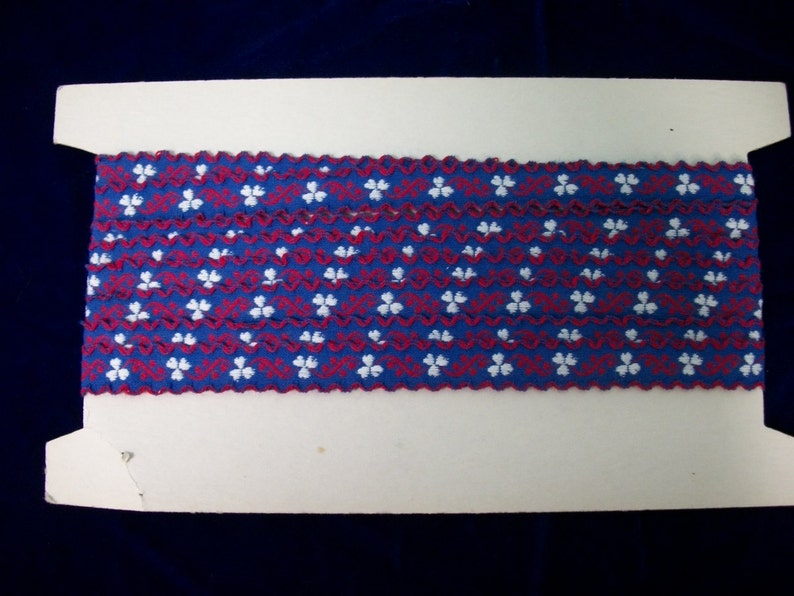 Vintage Embroidered Sewing Trim . Red Hearts White Clovers on image 0