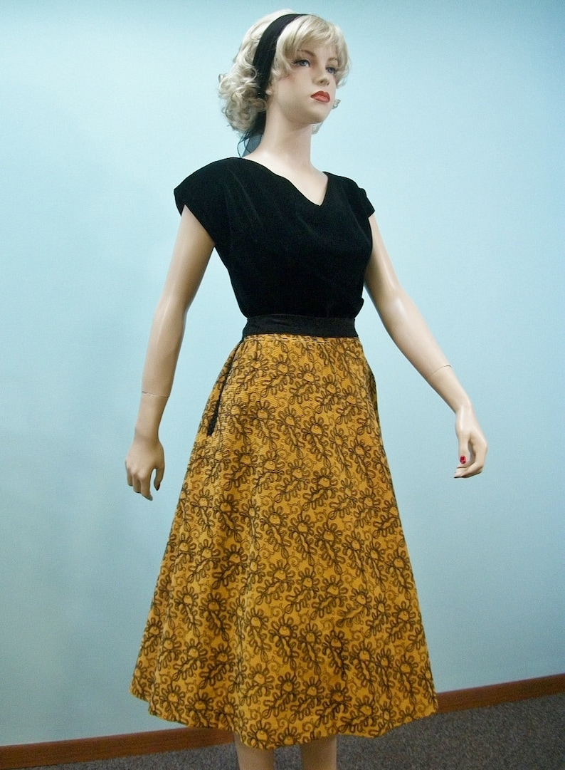 Vintage 50s Full Skirt . Mustard Gold Corduroy with Black image 0