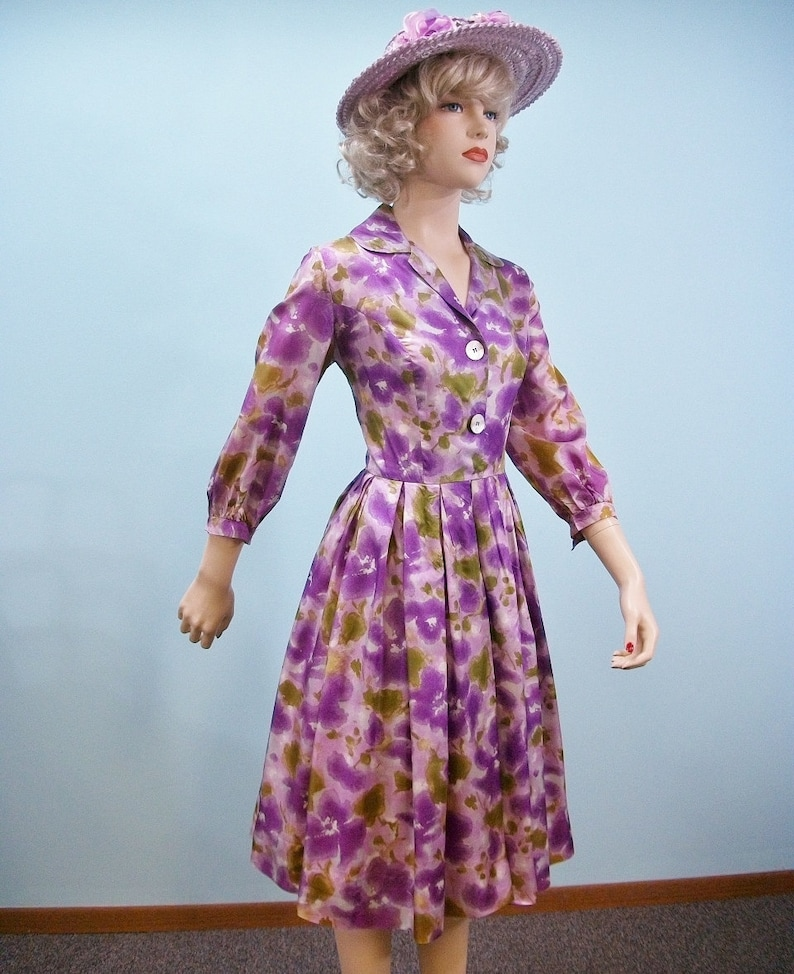 1950s Floral Print Dress . Vintage Purple & Lilac Floral image 0