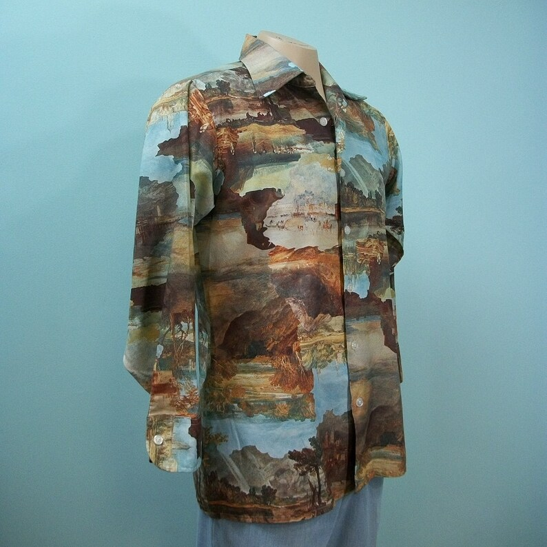 1970s Joe Namath Shirt . Vintage Arrow Scenic Photoprint Long image 0