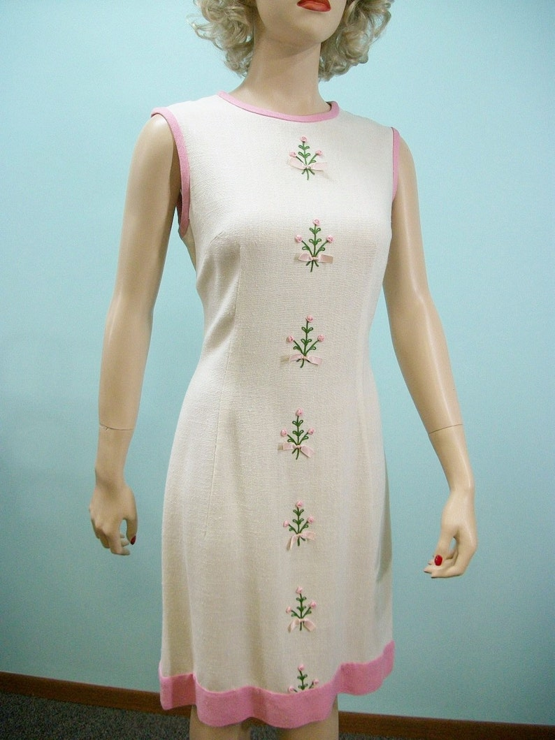60/'s Rose Pink SM Sleeveless Shift Dress w Crepe Ruffle Collar