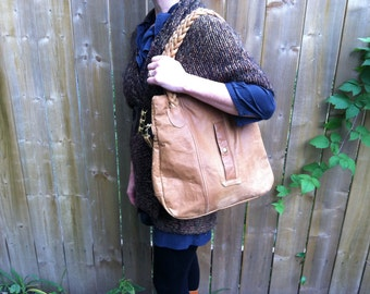 Med Tote with braided handles in camel