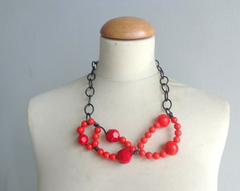 Red statement necklace, black red necklace, wire necklace