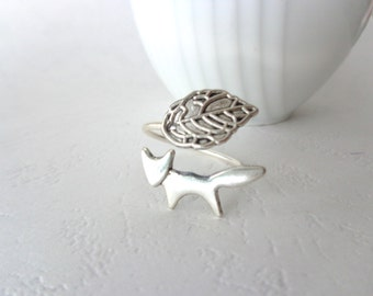 Silver fox ring with a leaf wrap ring, adjustable ring, animal ring, silver ring, statement ring
