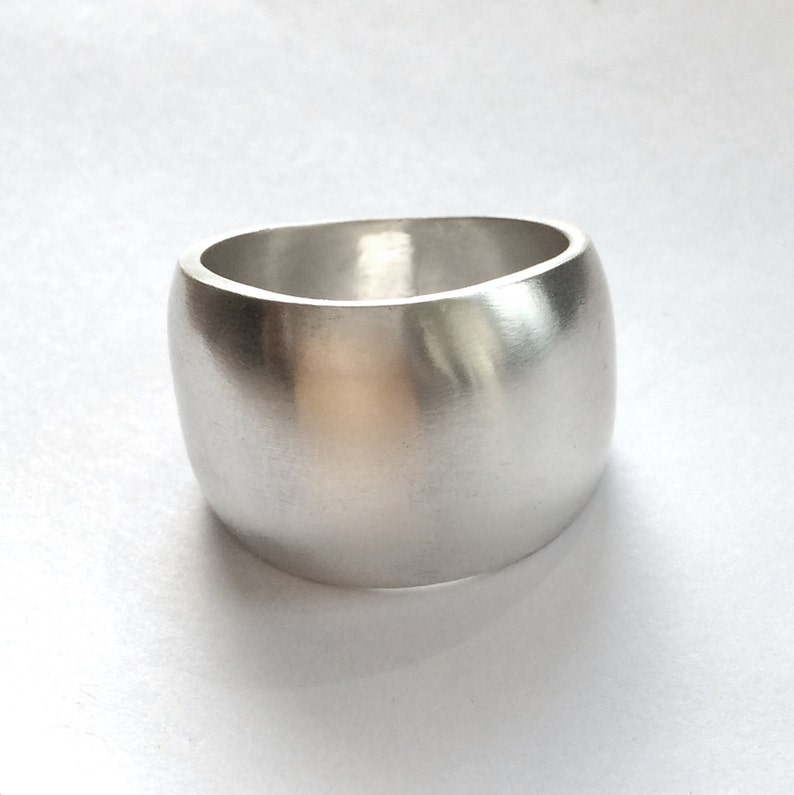 Silver Band Ring Wide Domed Size 8 1/2 image 0
