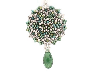 Single Mandala Necklace / Iridescent Green / Sparkling Silver / Shimmering --- Ava