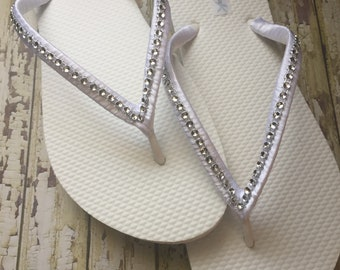 4e04892eb7d564 Rhinestone Bridal Flip Flops