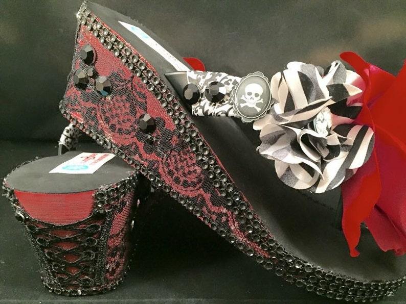 3fe2a14431ae6 Gothic Skull Platform Wedge Flip Flops Sandals in Red Black
