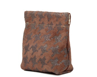Leather Squeeze Coin Pouch Purse in Metallic Burgundy Bronze